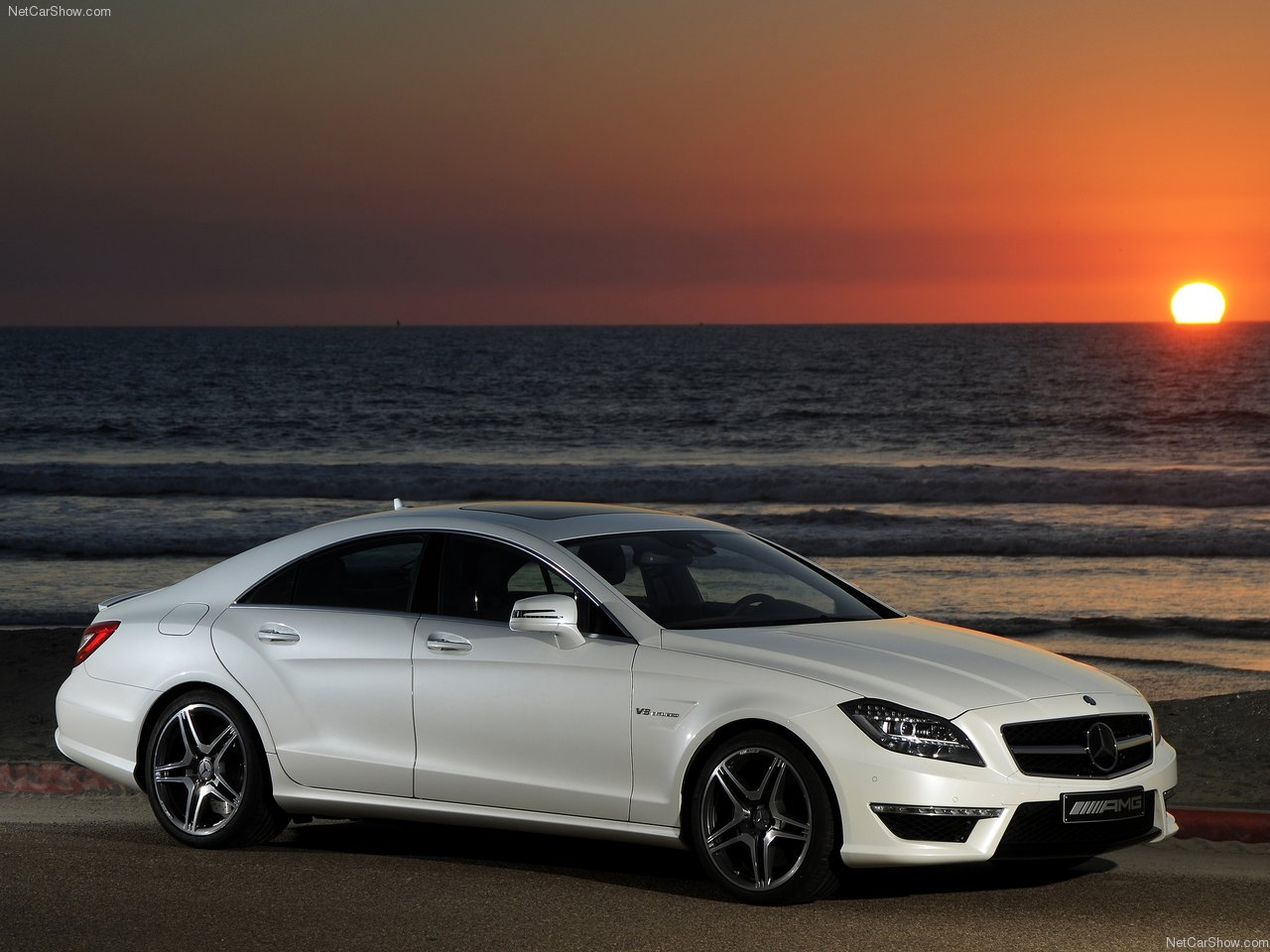 http://4.bp.blogspot.com/-LxZMrdFRXDI/TWib1OcFReI/AAAAAAAAK1Y/EaaIAslWzaw/s1600/Mercedes-Benz-CLS63_AMG_US_Version_2012_1280x960_wallpaper_03.jpg