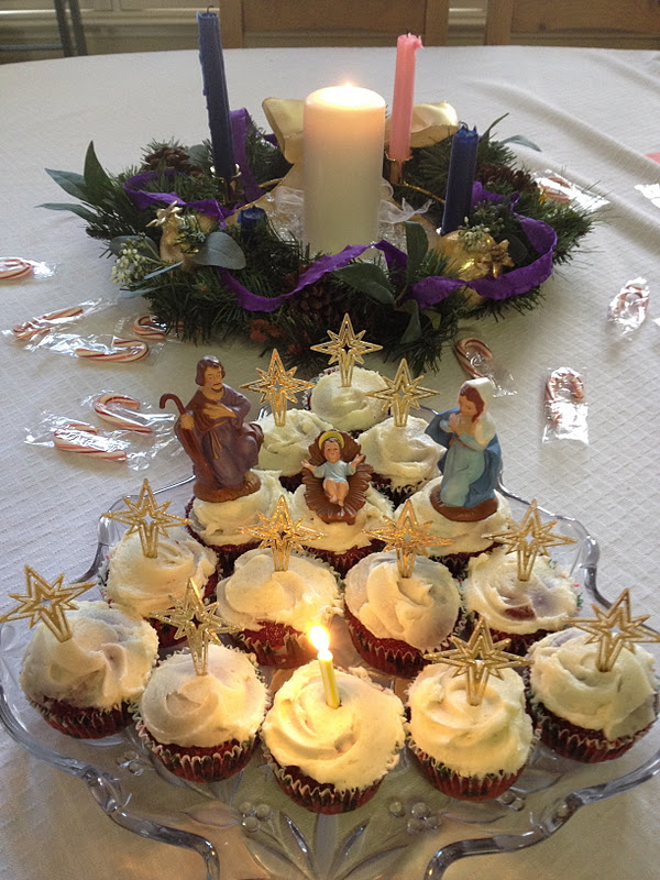 Catholic Cuisine: Happy Birthday Jesus Cupcakes & A Gingerbread Manger