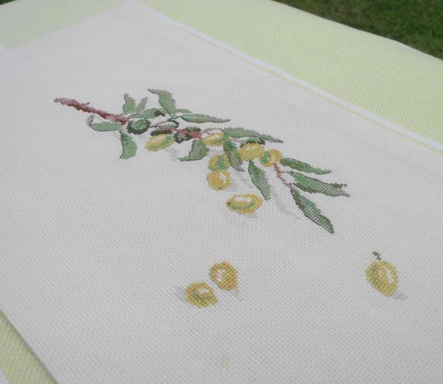 Вышивка ветки оливы схема