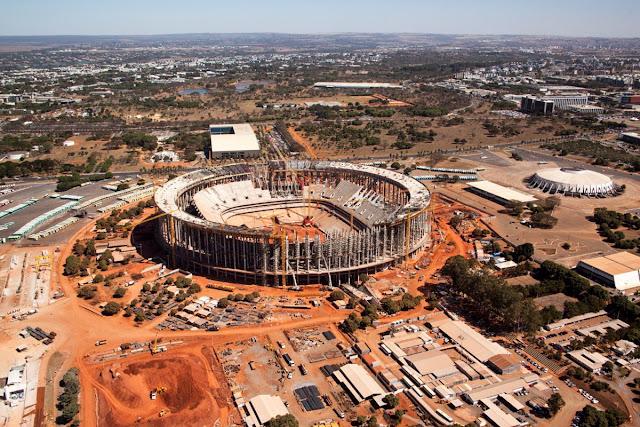 Estádio Nacional de Brasília já se destaca no skyline da capital federal