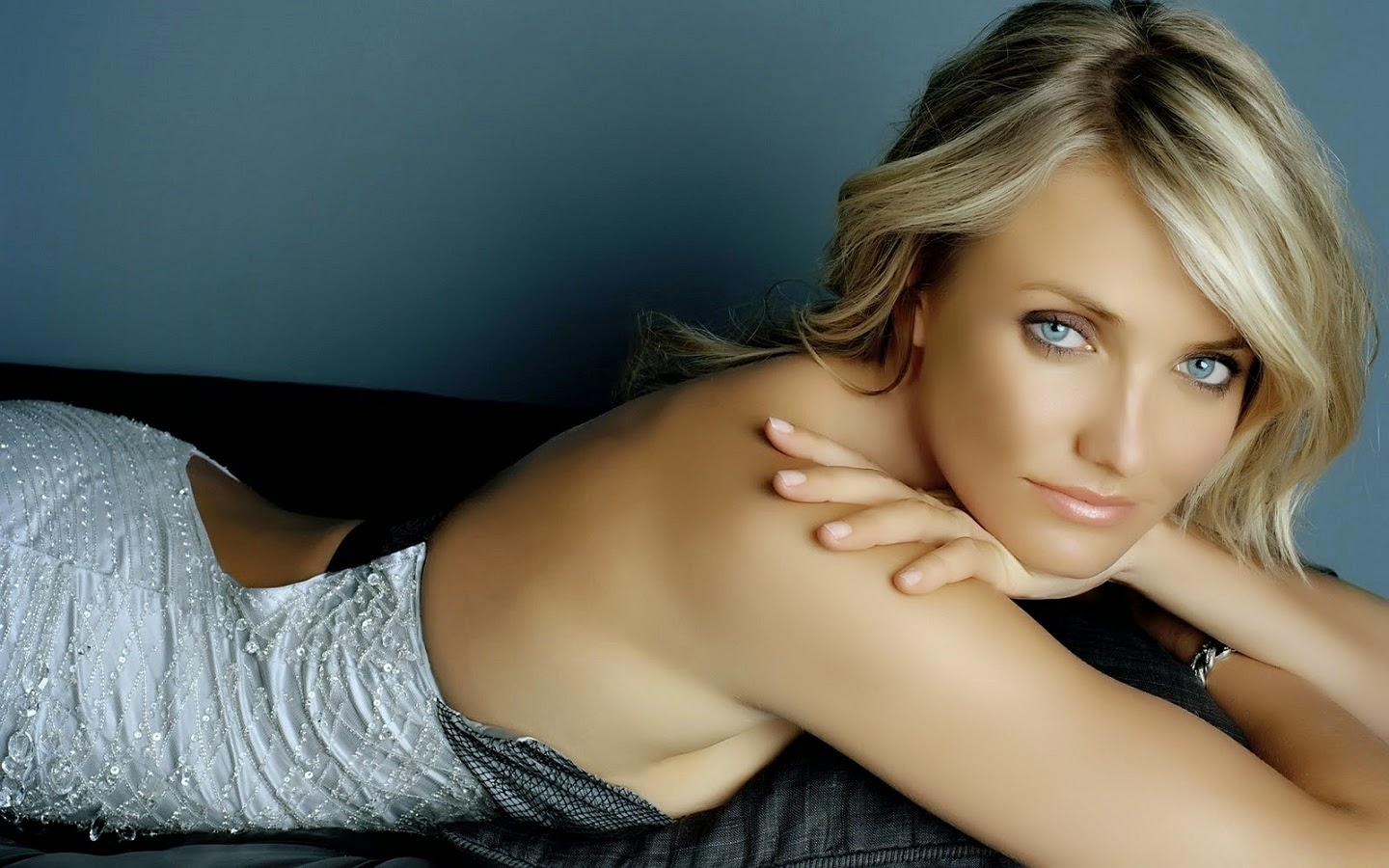 CAMERON DIAZ_WALLSTOWN_IN_HOLLYWOOD ACTRESS_HOLLYWOOD CELEBRITIES