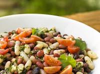 Salada Mista de Feijões com Tomate e Coentro (vegana)