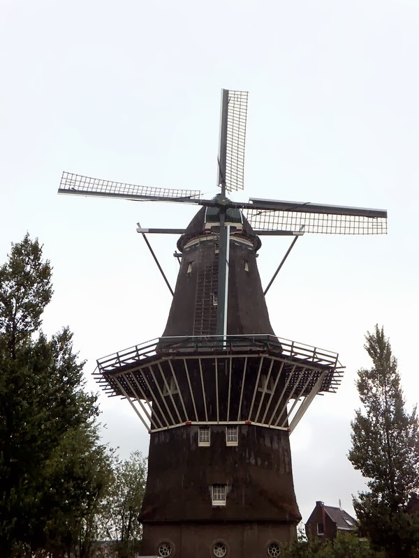 amsterdam moulin