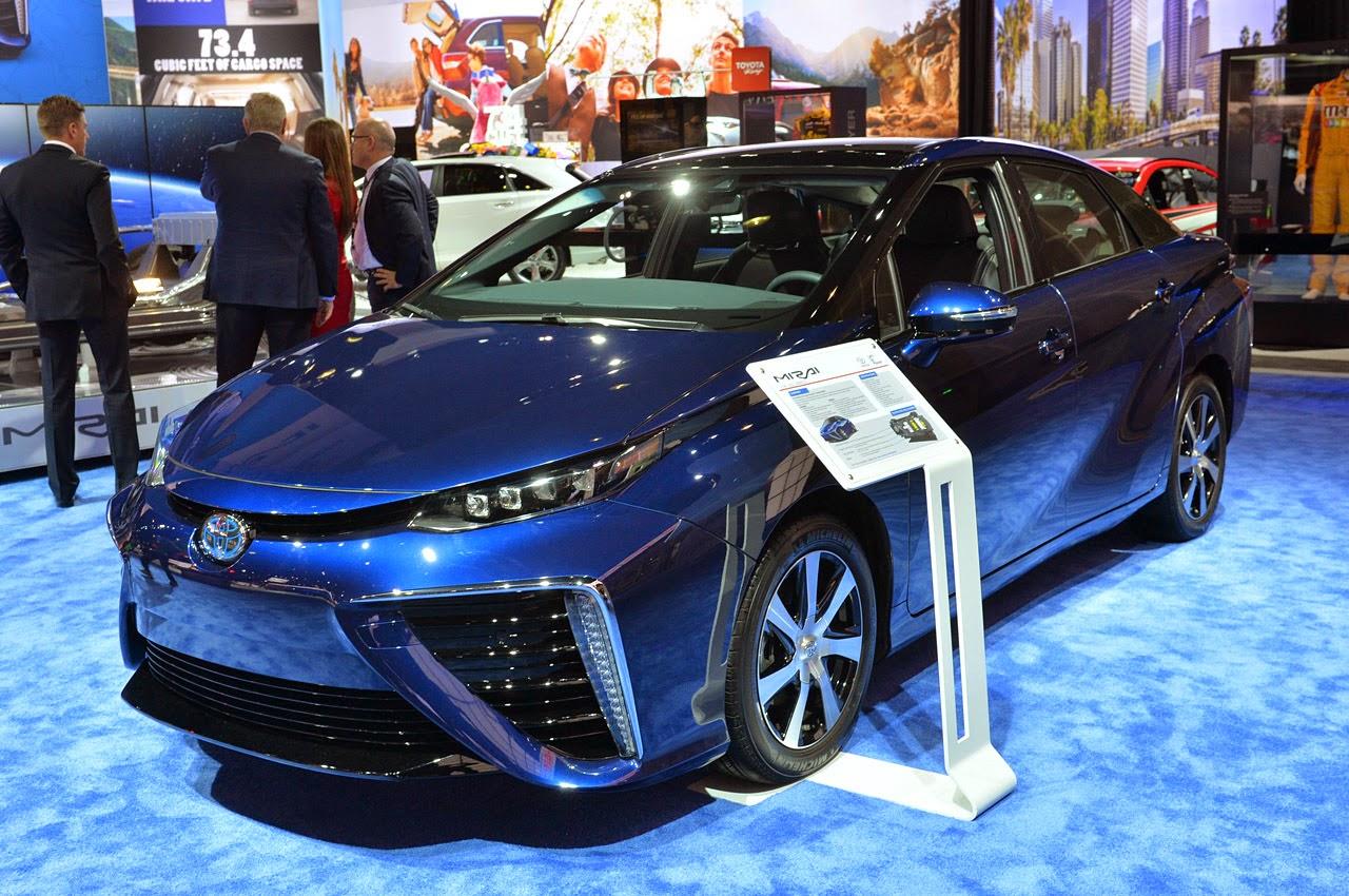 Toyota Mirai el primer auto que funciona a hidrógeno