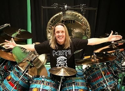 Nicko con el kit del Powerslave