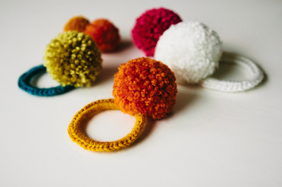 free crochet pattern pom pom hair ties