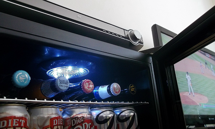 New Air AB-850 Beverage Cooler with 84 Can Capacity for your Man Cave.