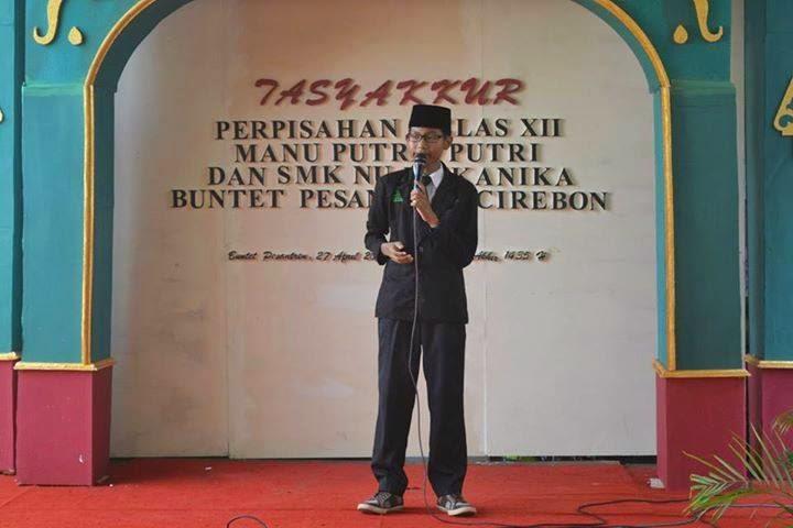 Ahmad Dihya Hadi Sucipto, ketua acara sedang memberi sambutan atas