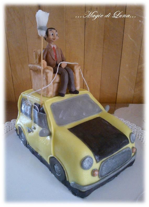 Magie di luna torta mr bean con la sua macchina