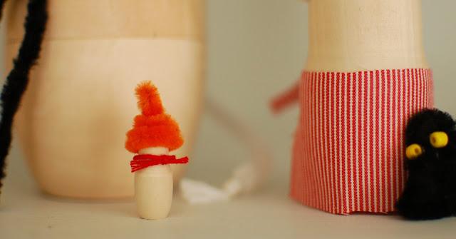 puinen pikku myy / wooden moomin nesting doll