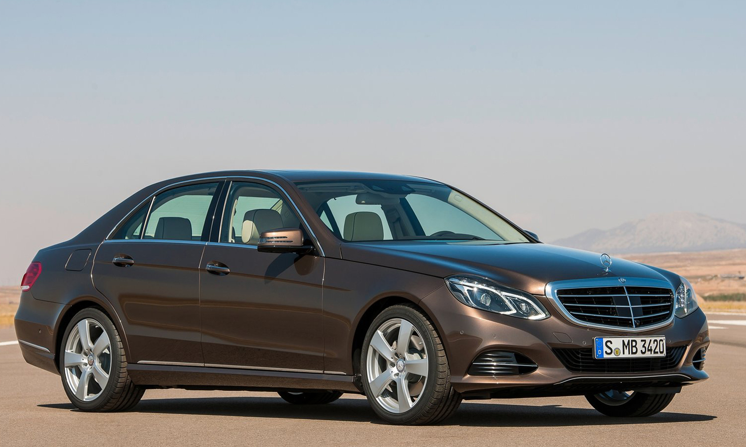 Mercedes-Benz E-Class: Transporting the vehicle
