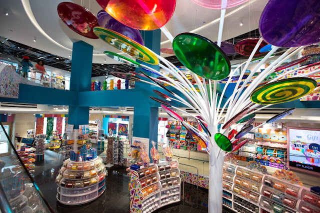 Dylan's Candy Bar opens a store in Chicago