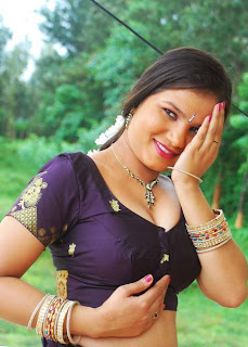 Kalla-Parunthu-Tamil-Movie-2011-Hot-Stills-91.jpg
