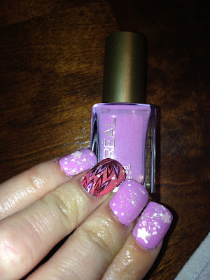 L'Oreal What's on my nails. Hint of lavender