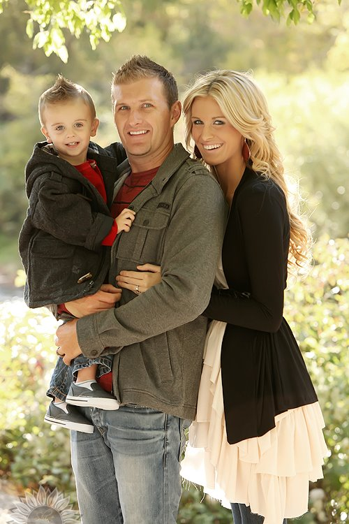 1000 ideas about family picture outfits on pinterest for Family of 4 picture ideas