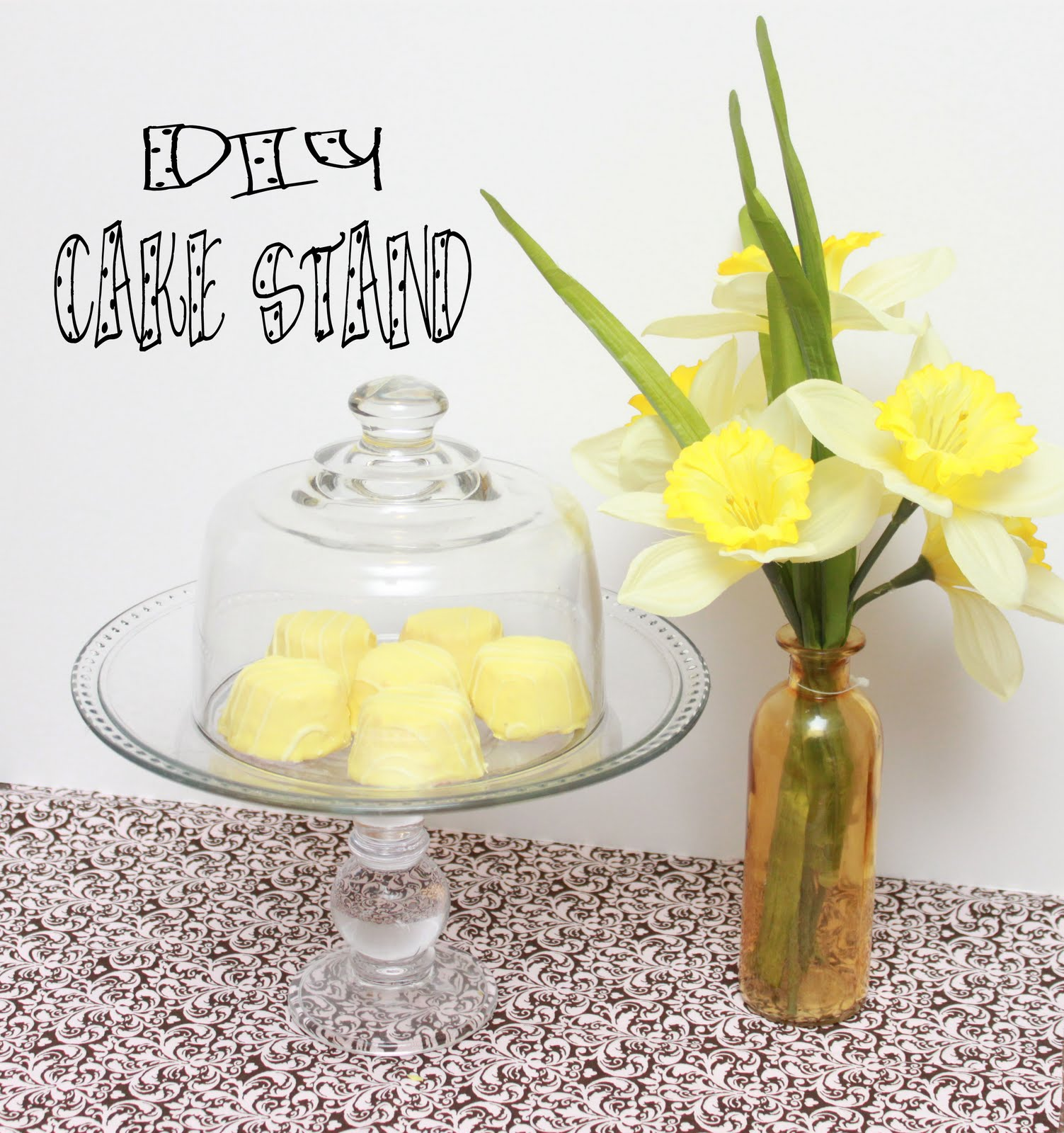 polka dotted elephants diy cake stand. Black Bedroom Furniture Sets. Home Design Ideas