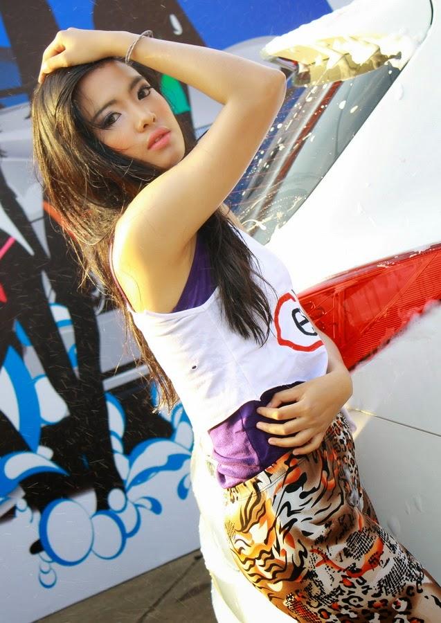 Model car girl