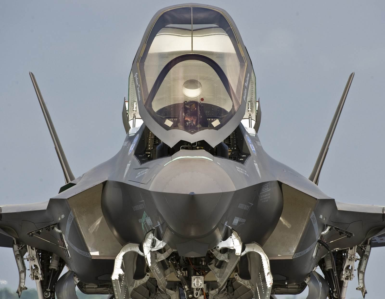 f-35 canopy opened f-35 operating cost f-35 cost & Pentagon And F-35 Operating Cost Aviation News 15 - AERONEF.NET