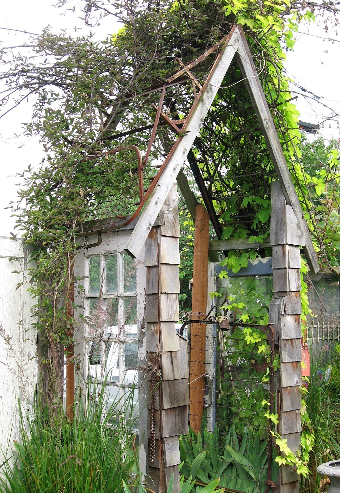 four corners design A day in the garden
