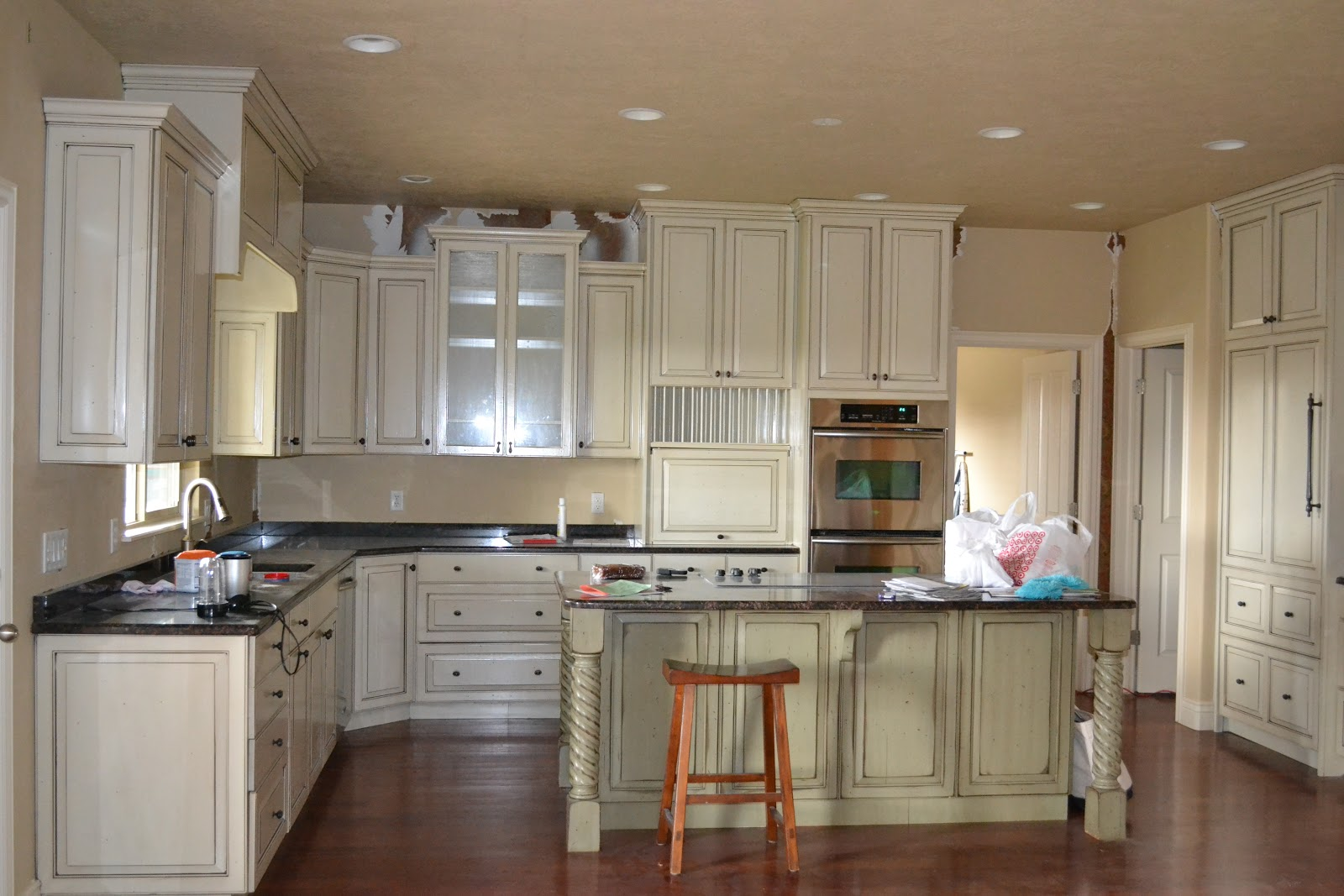 Paint Colors with White Cabinets to Go