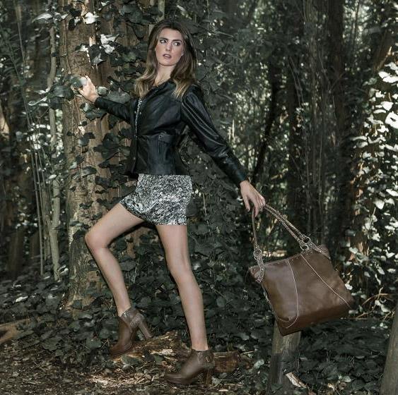Bolsos, carteras, camperas y botas de cuero Corium otoño invierno 2015.