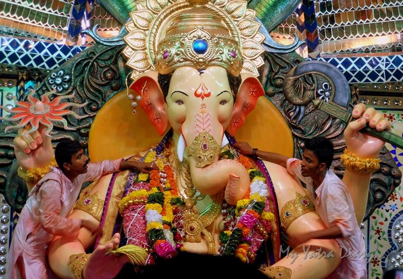 Closeup of Bappa, Lalbaugcha raja Pandal, Ganesh Pandal Hopping, Mumbai