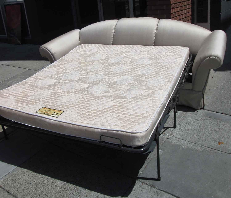 UHURU FURNITURE COLLECTIBLES SOLD Silky Sofa Sleeper