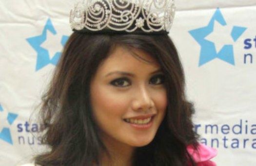 Foto Biodata Ines Putri Tjiptadi Chandra Miss Indonesia 2012