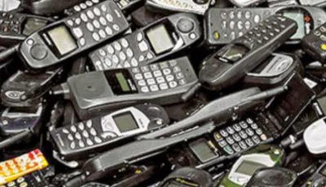 Pemerintah Bakal Larang Penggunaan Ponsel 2g