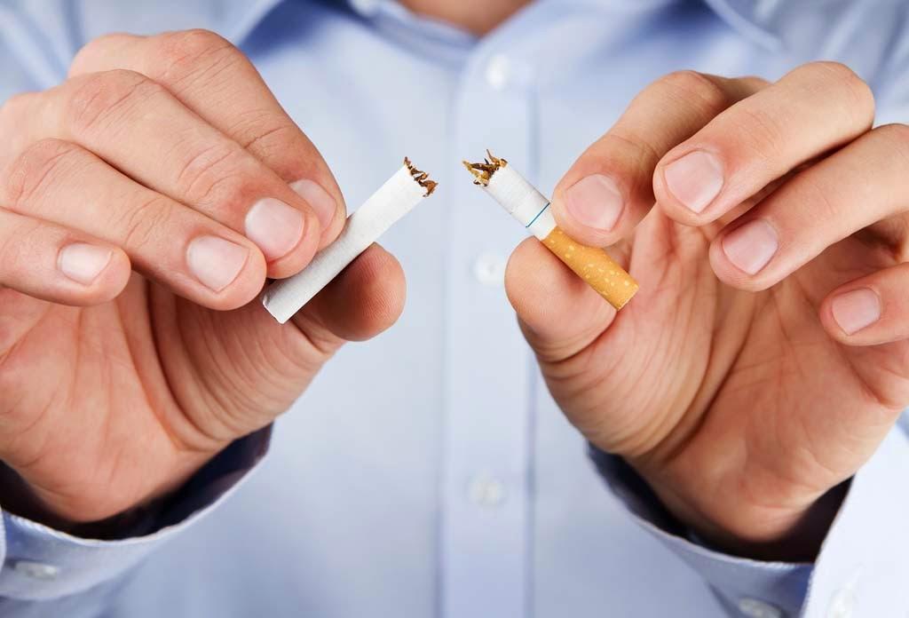 ماذا سيحدث لك إذا توقفت عن التدخين لمدة يوم؟ 136546897