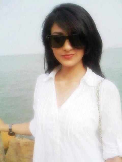 Pakistani Bueatiful Model Sara Khan Latest Photos 2013