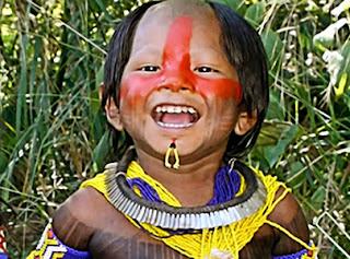 indígena criança queimada