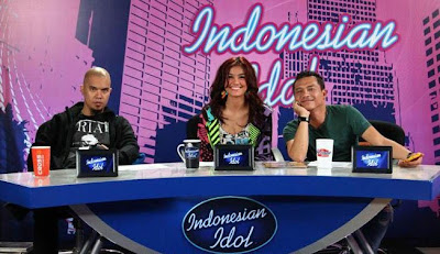 Kompilasi Video Top 15 Indonesian Idol - 6 April 2012 - yuri