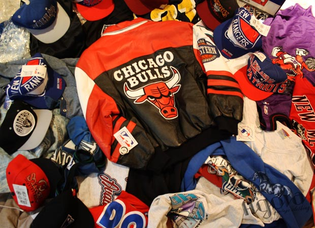 Vintage Jeff Hamilton Chicago Bulls Jacket - Agora Clothing Blog d90bf6696a4
