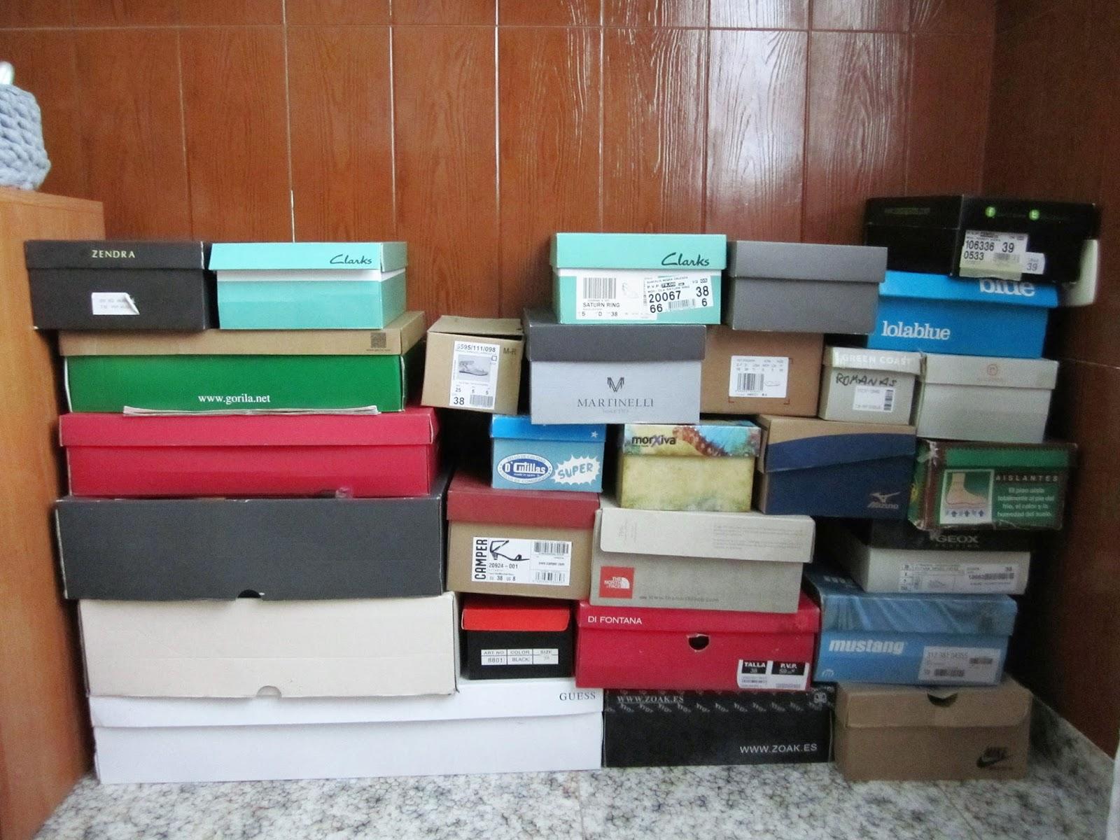 Como hacer un mueble para ropa de carton for Hacer mueble zapatero