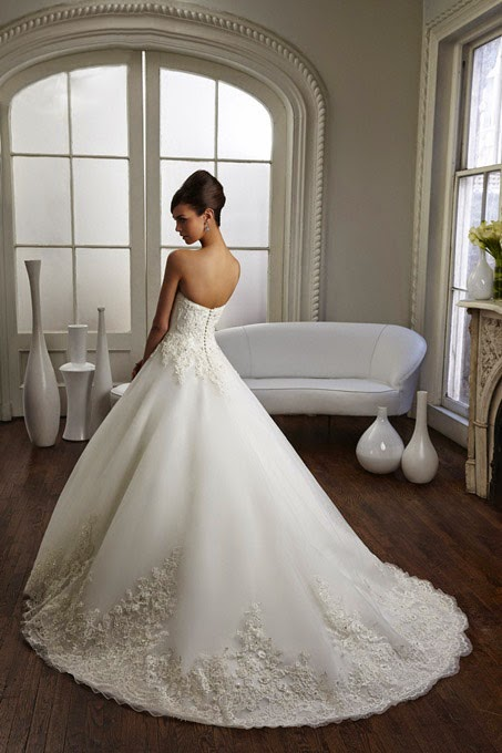 http://www.rosanovias.com/charming-aline-sweetheart-sleeveless-beading-buttons-chapel-train-lace-tulle-wedding-dresses-p-3056.html