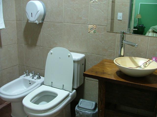 Bachas Para Baño Pintadas:Los baños son cómodos , tienen toallones grandes y mullidos
