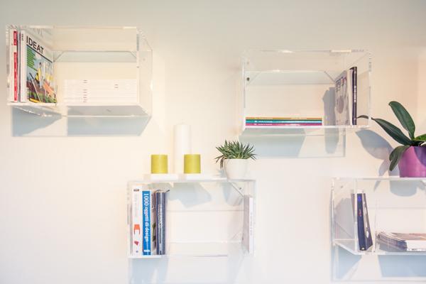 cubi componibili in plexiglass per librerie e negozi