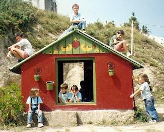 La Casita para niños en el jardín