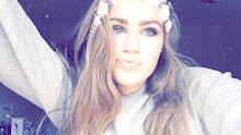 Charlotte Lareine - 16