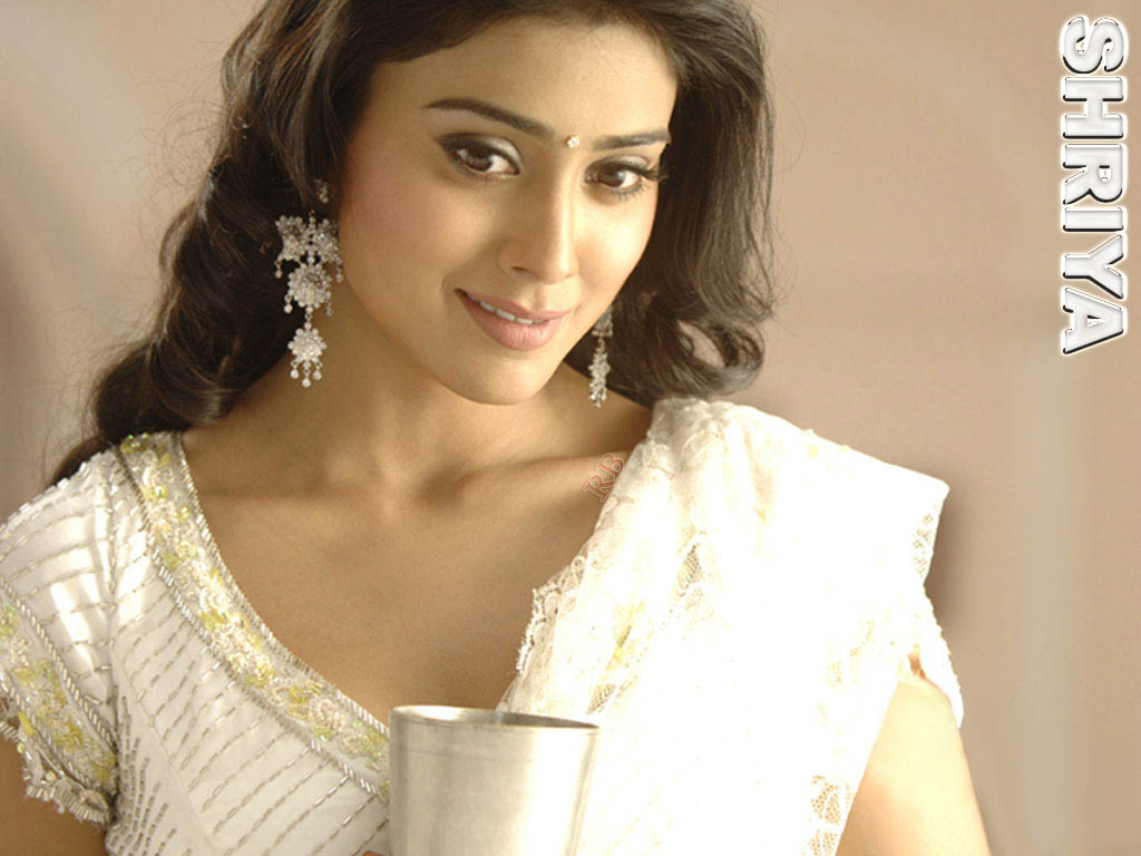 wallpapers download: hd wallpaper of shriya