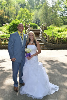Bride and Groom at Shakespeare Garden