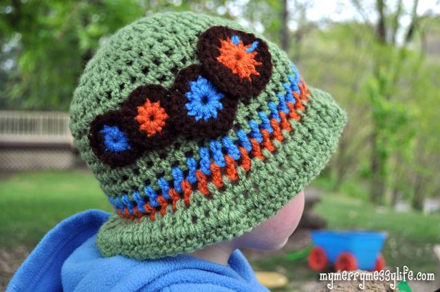 Crochet Caterpillar Applique {free crochet pattern}