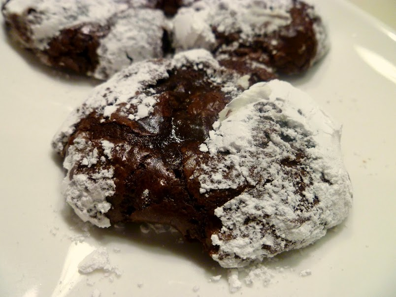 The Baking Fairy: flourless chocolate crackle cookies