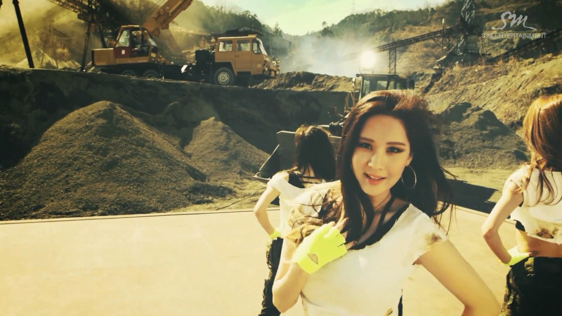 Girls' Generations' Seohyun in Catch Me If You Can MV