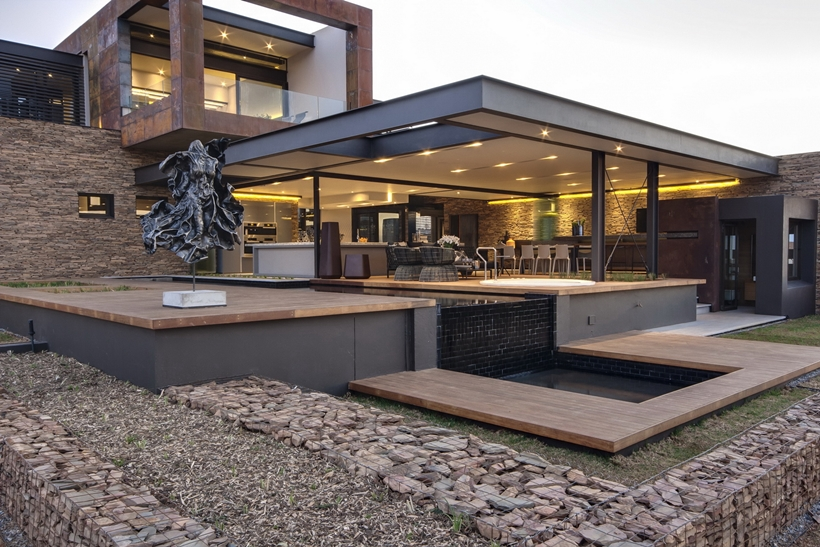 World of Architecture Impressive House Boz by Nico van der Meulen