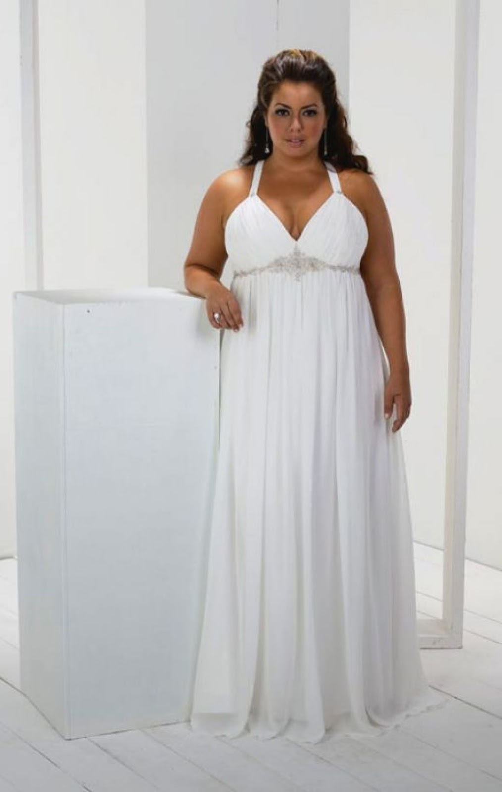 Womens Plus Size White Beach Dress   Lixnet AG
