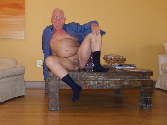 qualitytime+wgrandpa Chubby Grandpa Shows his Soft Cock