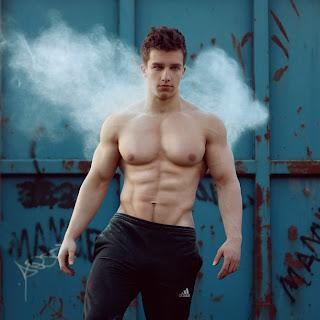 Fitness-Model Tim Gabel, Photos by TeeJott