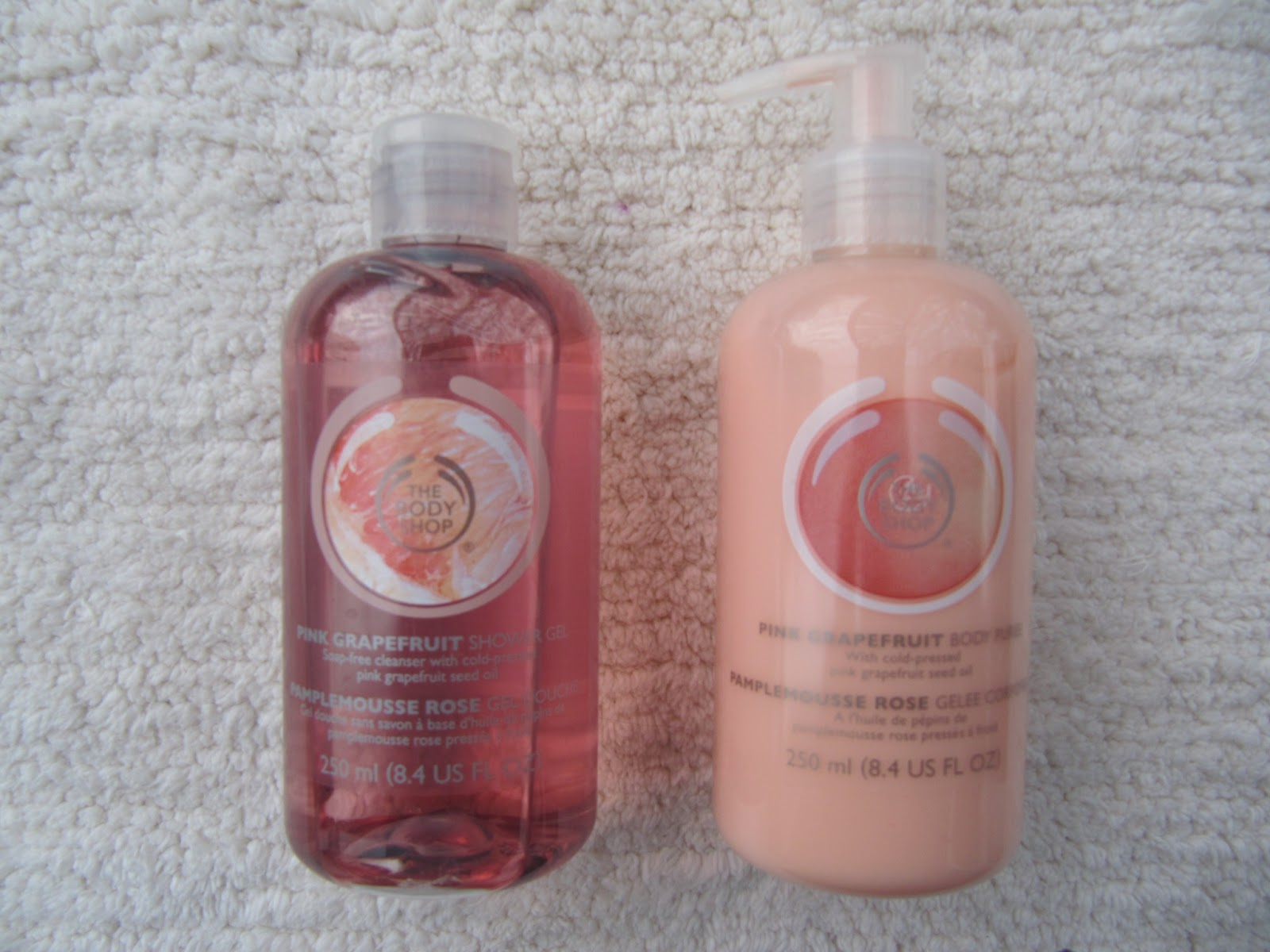 the body shop pink grapefruit shower gel u0026 pink grapefruit puree body lotion review
